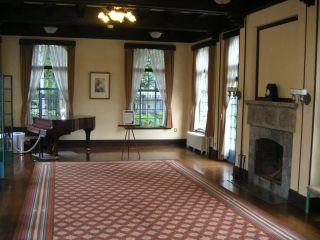 久遠寺邸1階居間